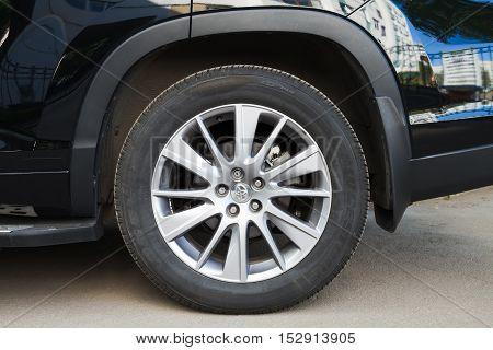 Toyota Highlander Details, Modern Suv Car Wheel