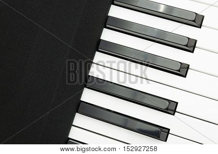Electric piano keyboard and speaker cloth covered