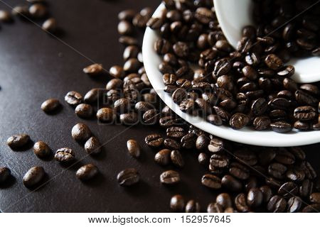 Coffee grains for preparation of fragrant coffee