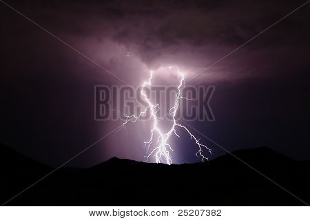 Lightning / thunderstorm in the desert