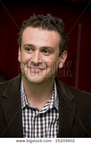 HOLLYWOOD, CA - NOVEMBER 12: Actor, screenwriter and producer Jason Segel arrives at the Los Angeles premiere of