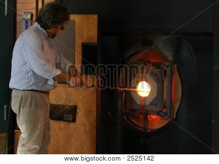 Making A Glass Vase