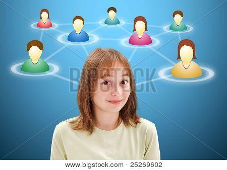 Ziemlich Teen Girl an Mitglieder des sozialen Netzwerks