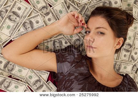 Lay On Money Look