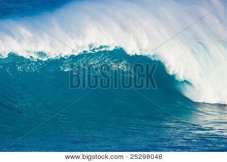 Giant Ocean Wave