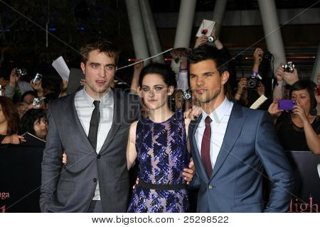 LOS ANGELES - NOV 14: Robert Pattinson, Kristen Stewart, Taylor Lautner at the World Premiere of 'The Twilight Saga: Breaking Dawn Part 1' on November 14, 2011 in Los Angeles, California