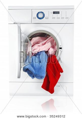 Washing Machine With Linen