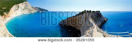 Panorama de Verão de praia do Porto Katsiki (lefkada, Grécia)