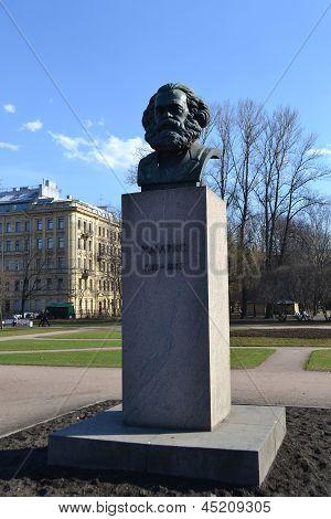 Statue Of Karl Marx In St.petersburg