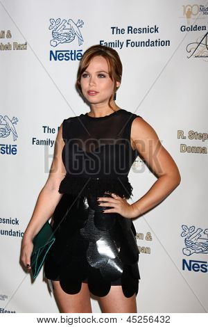 LOS ANGELES - MAY 6:  Amanda Fuller arrives at the 2013 Midnight Mission's