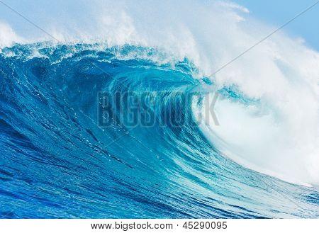 Onda azul oceano