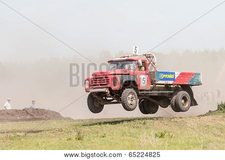 Jumping truck on racing line