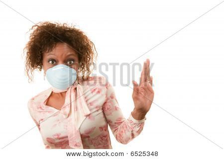 Mulher com máscara de respiração