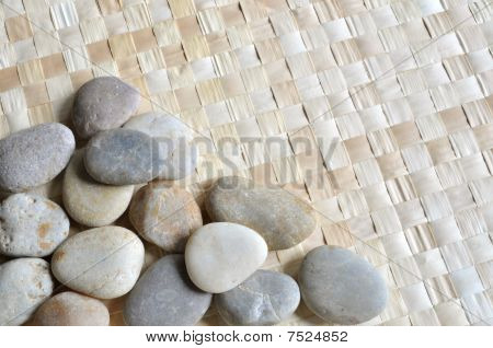 Grass mat with pebbles