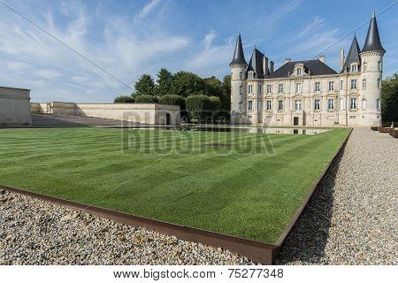 Chateau Pichon-longueville With Lawn Pauillac