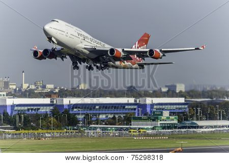 Boeing 747 (G-VBIG)-- Virgin Atlantic Airways