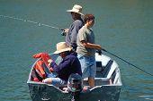 Постер, плакат: Семьи рыбалка