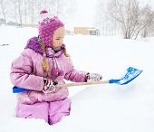 image of snow shovel  - Child in winter - JPG