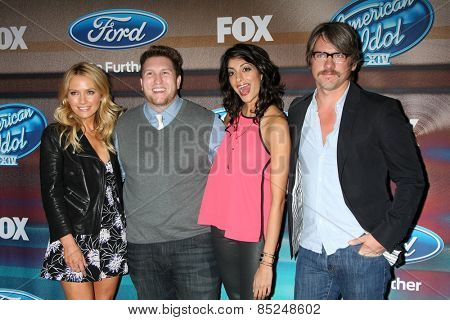 LOS ANGELES - MAR 11:  Becki Newton, Nate Torrence, Meera Kumbhani, Zachary Knighton at the