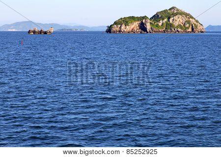 Asia  Myanmar  Lomprayah    Isle   Rocks