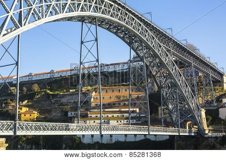 Famous Dom Luis I Bridge in Porto, Portugal.