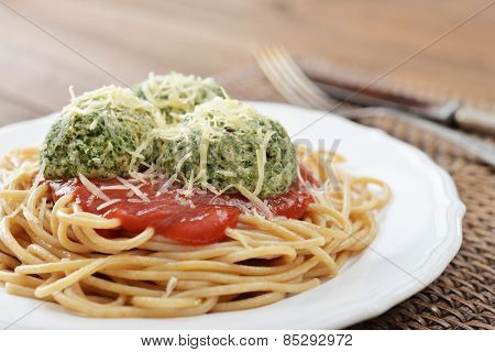 Pasta With Chicken Meatballs And Sause