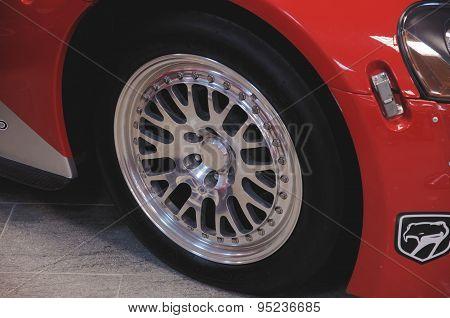 Dodge Viper wheel