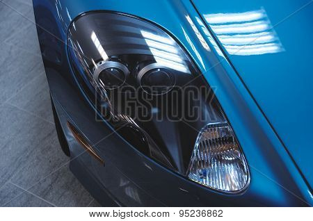 Aston Martin DB9 head-lights