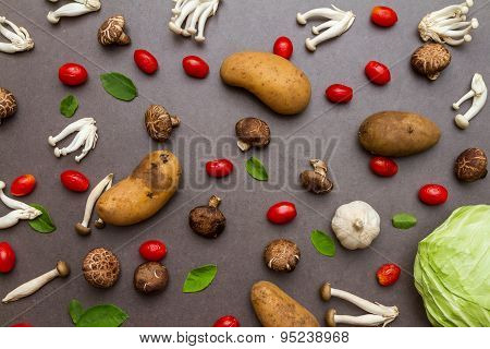 Tomato With Mushroom For Cooking And Healthy.