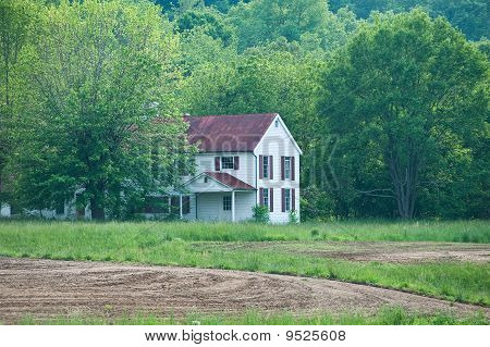 Deserted Farm House In Kentucky