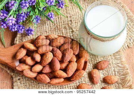 almonds and milk almonds