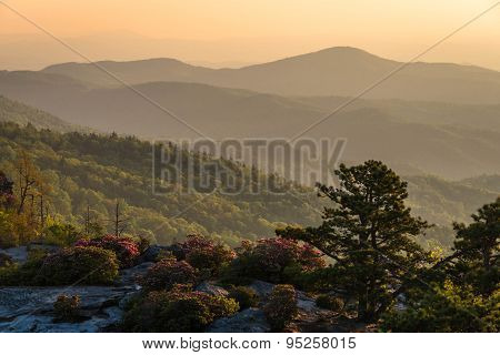Linville Gorge Sunrise From The Chimneys 3