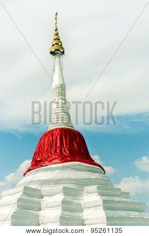 Slant pagoda at ko kret island, nonthaburi.