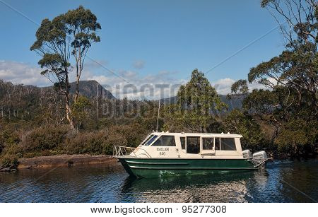 LAKE ST. CLAIR AUSTRALIA - JANUARY 10 2015: Cruiser floating on Lake St. Clair on 10 January 2015 in