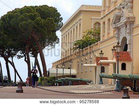 Prince Palace Of Monaco And Honor Guard, Monte-carlo,