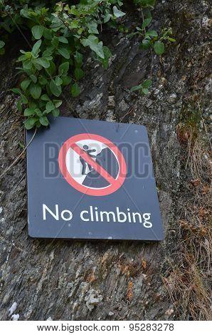 No climbing sign.