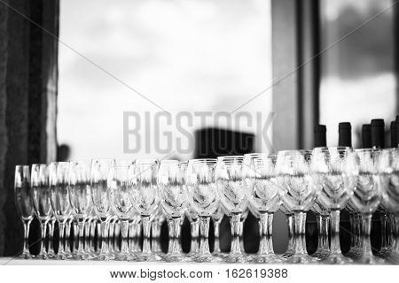 Row of the vine glasses in restaurant