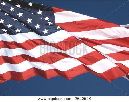 Desfraldada bandeira americana