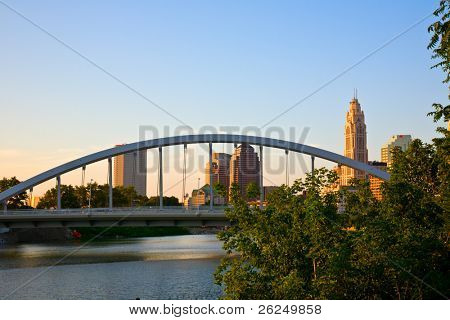 New Main Street Bridge in Columbus, Ohio changes the cityscape