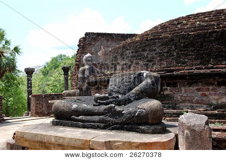 The Remains Of Lord Buddha Statues And Stupa In Polonnaruwa Vatadage, Sri Lanka
