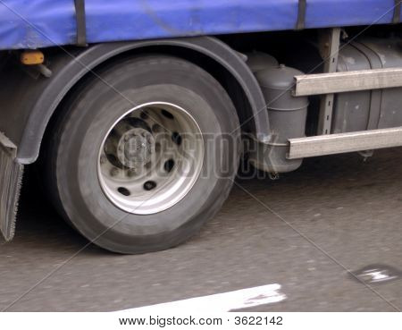 Truck Wheel Turning