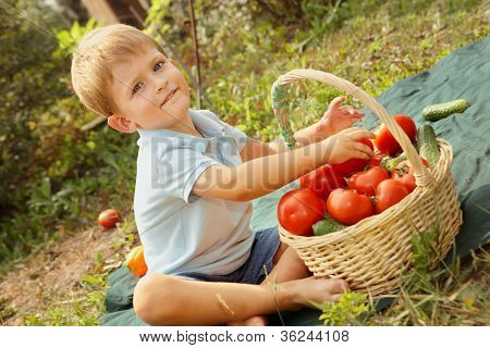 baby and vegetables