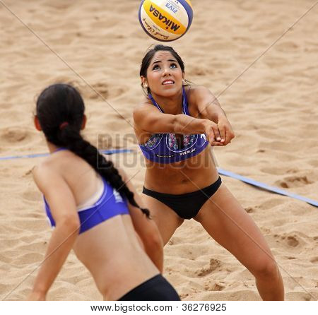 Beach Volleyball Woman Mexico Pass Ball