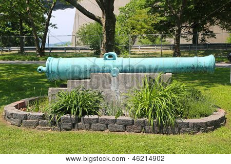Spanish 24-pounder cannon cast in 1786 on display at Fort Hamilton US Army base in Brooklyn
