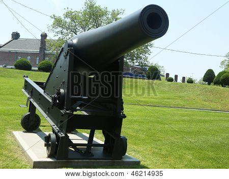 10-inch Rodman gun, Pattern 1861 on display at Fort Hamilton US Army base in Brooklyn