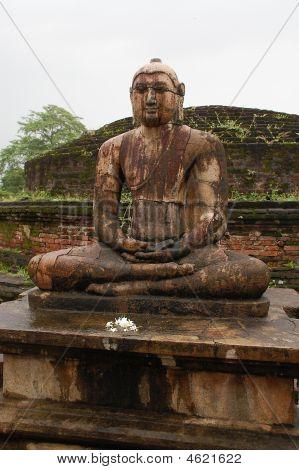 Buddha Statue In Vatadage Temple In Polonnaruwa, Sri Lanka