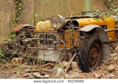 Forgotten old car
