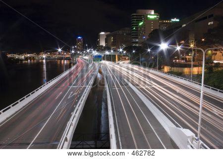 Via expressa cauda luzes paisagem de Brisbane