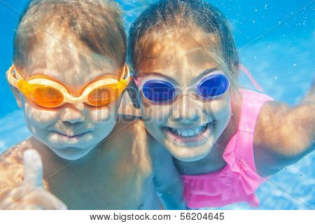 Underwater portrait kids