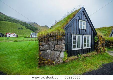 traditional icelandic house